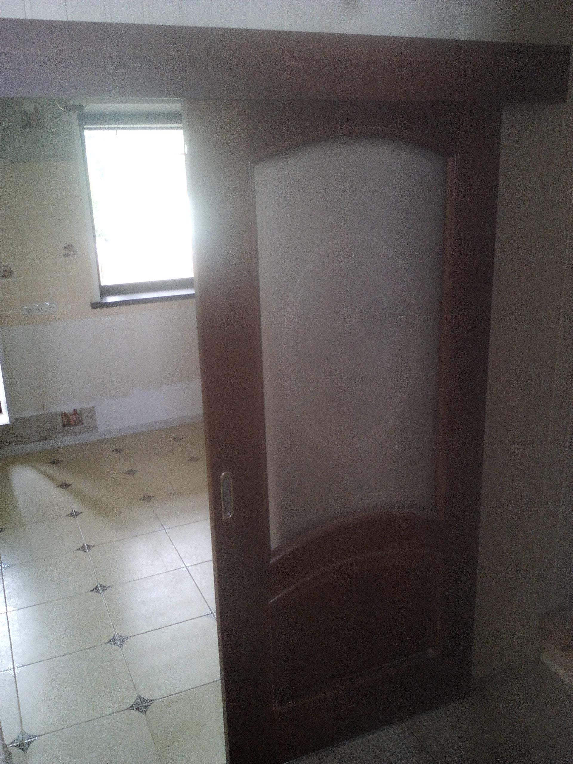 установка откатной двери
