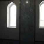 укладка плитки вокруг окон сложной формы